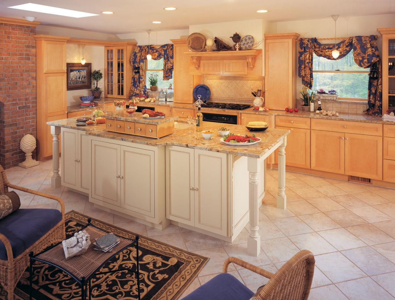 10 Warmly Brown Scheme Kitchen Ideas For Your Cold